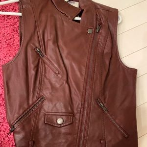 Burgundy BB Dakota leather vest